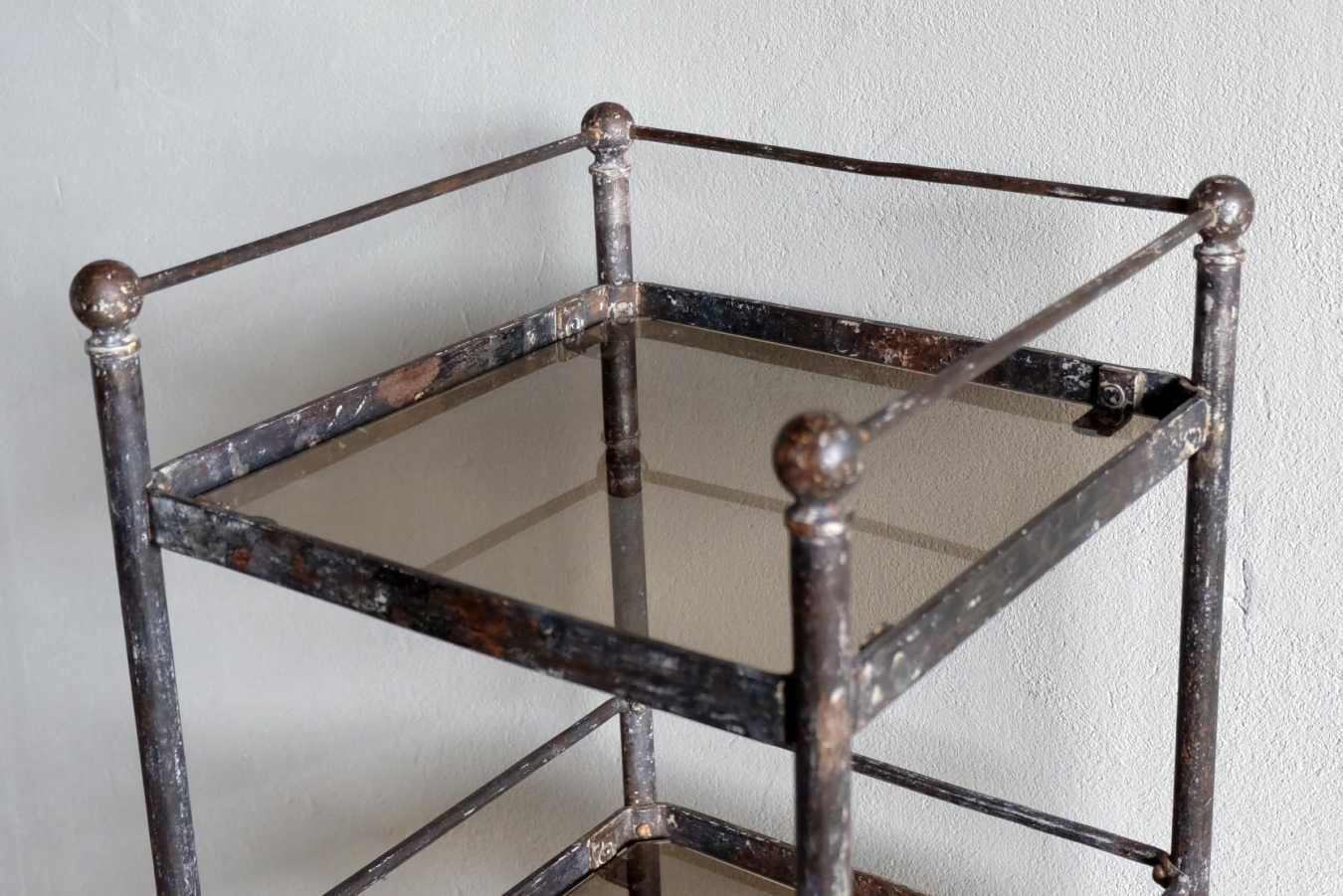 French metal etagere trendfirst - Etagere metal industriel ...