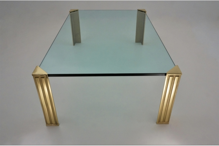 Peter Ghyczy table