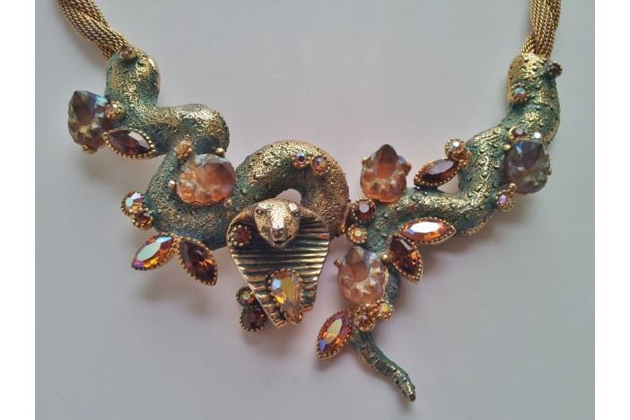 HAR Cobra necklace set