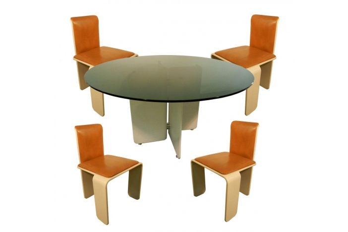 Dining suite in lacquered wood