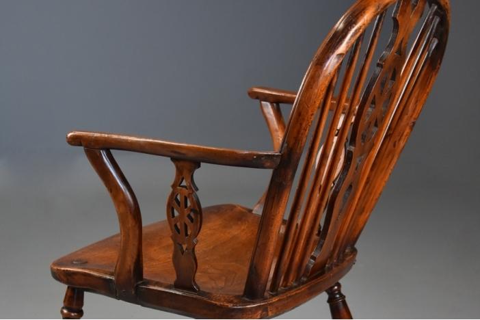 19thc yew wheelback armchair