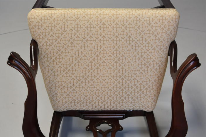Set of 8 dining chairs