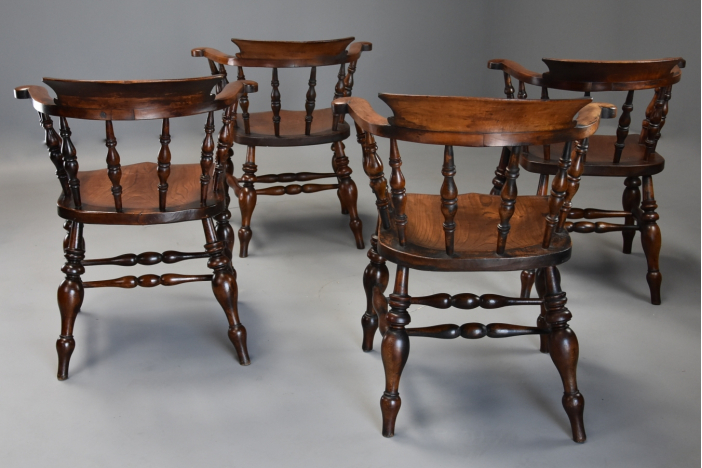Four smokers bow chairs