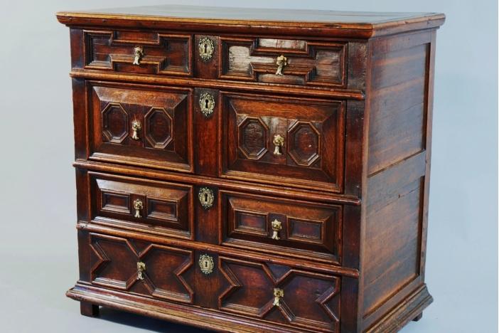 17thc oak moulded front chest