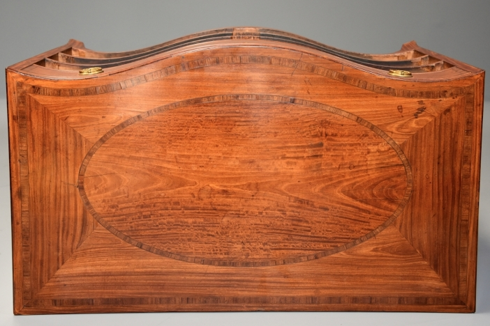 18thc serpentine chest