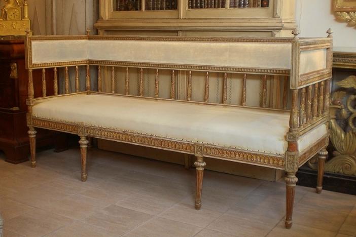 Gustavian Bench