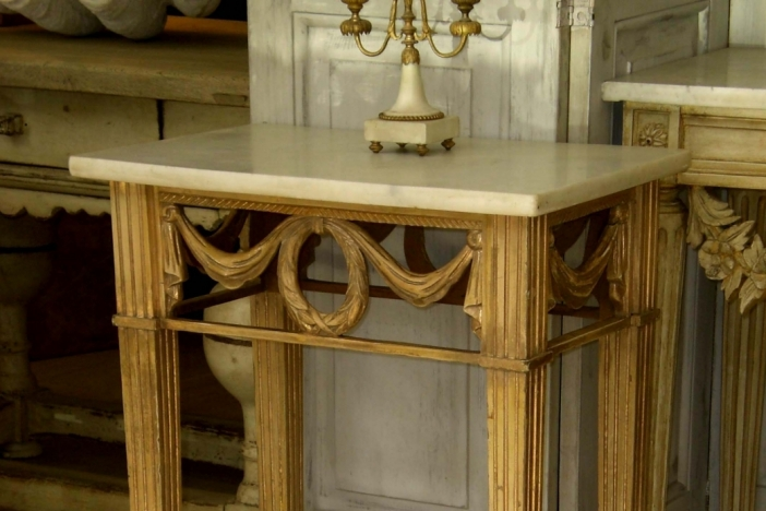 French consoltable