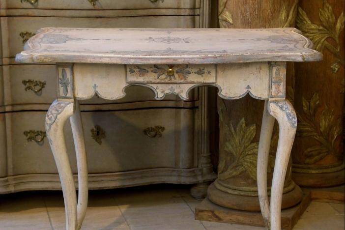 Painted Teatable 1800