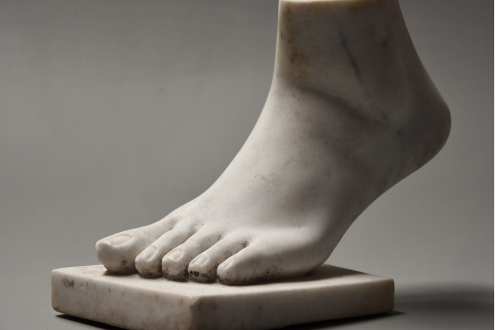 Grand Tour style marble foot
