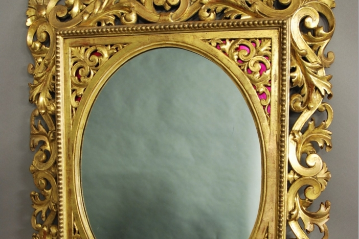 Florentine carved gilt mirror