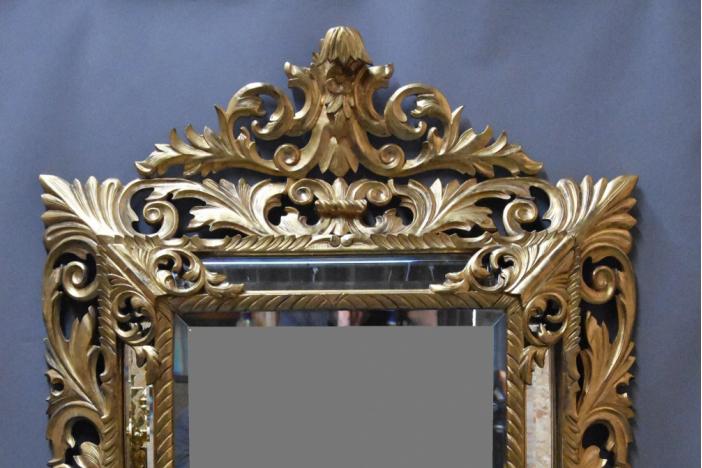 Large Italian gilt mirror