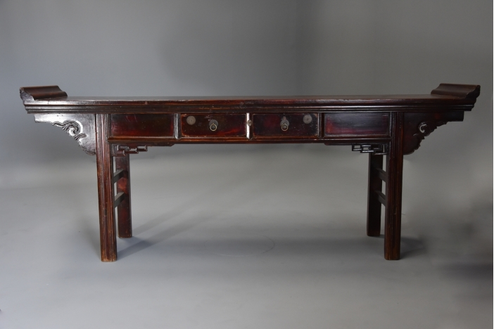 Large 19thc Chinese elm table