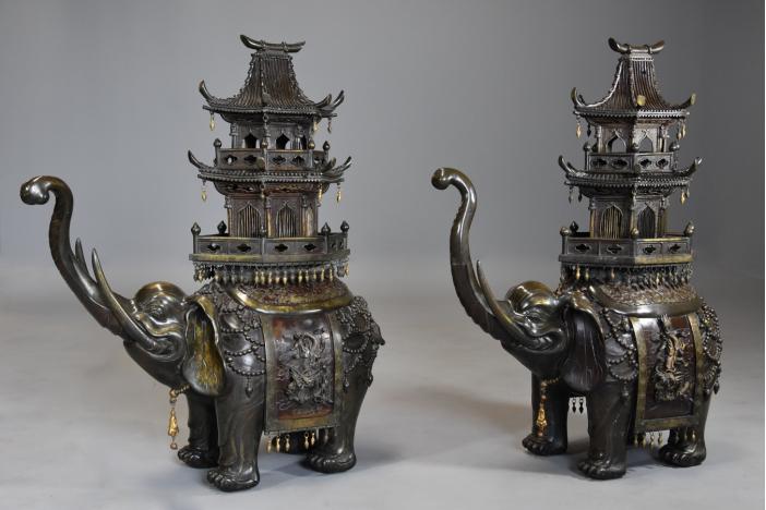 Large pair of elephant koro