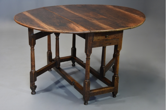 Early 18thc oak gateleg table