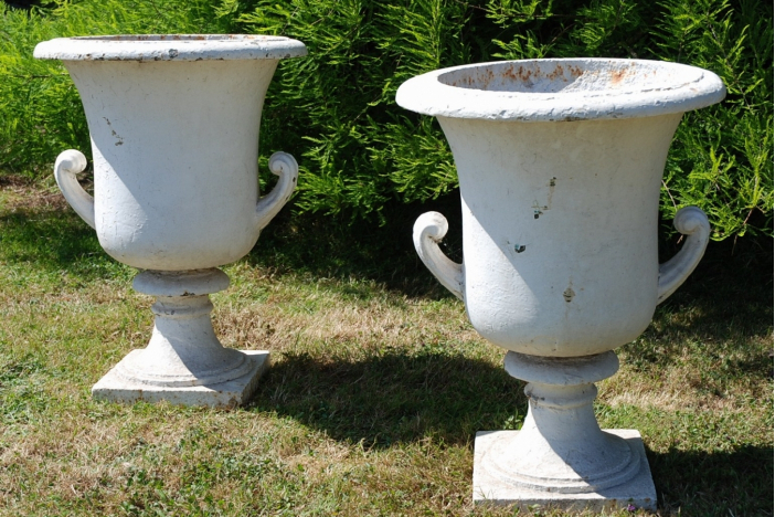 A large pair of urns