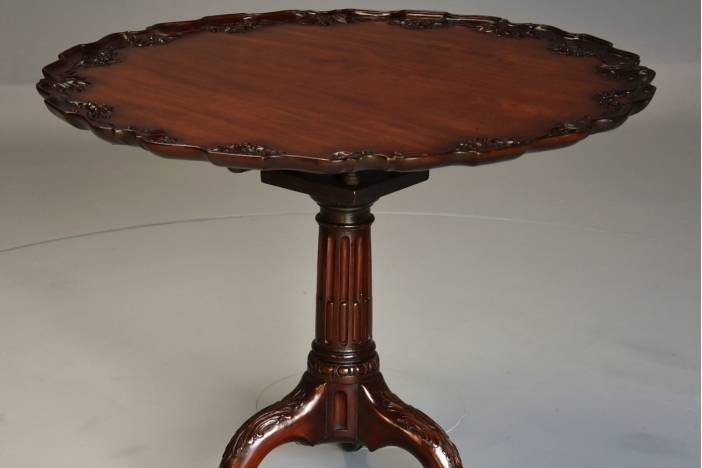 Chippendale style tilt table
