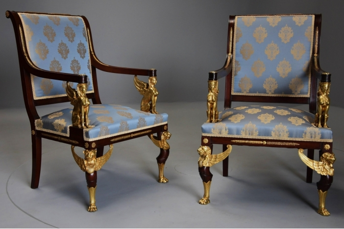 Set French style chairs