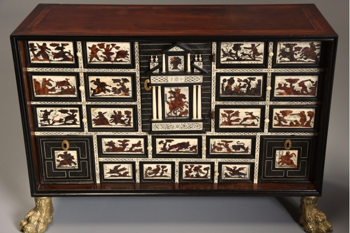 17thc Italian table cabinet