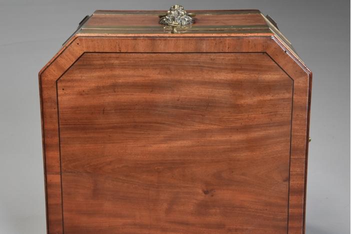 Regency mahogany cellarette