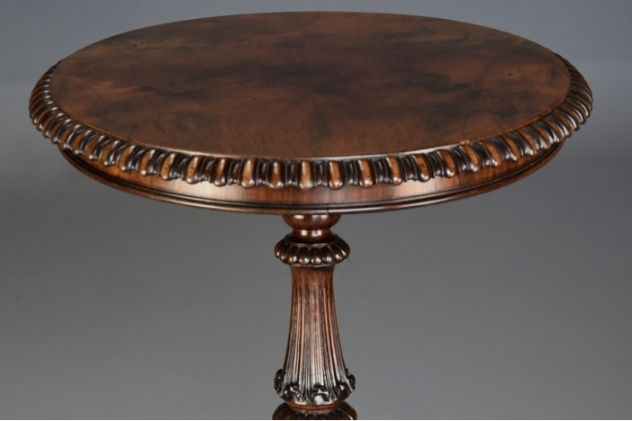 Superb 19thc rosewood table