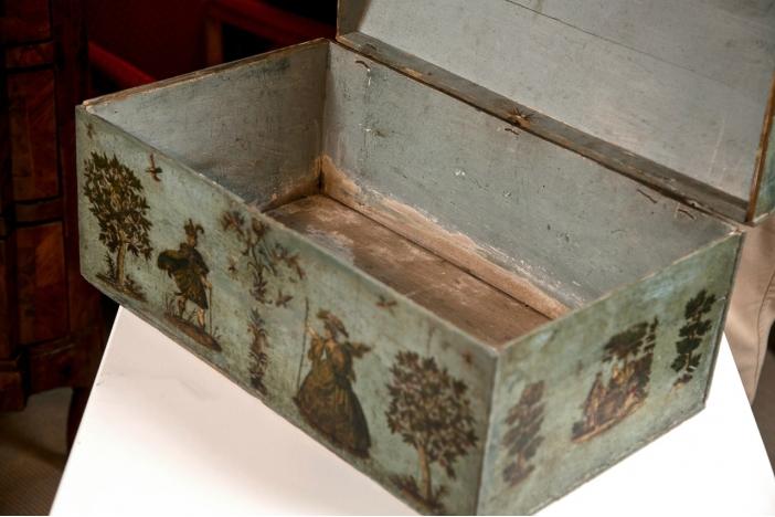 A Lacca Povera Dome Box