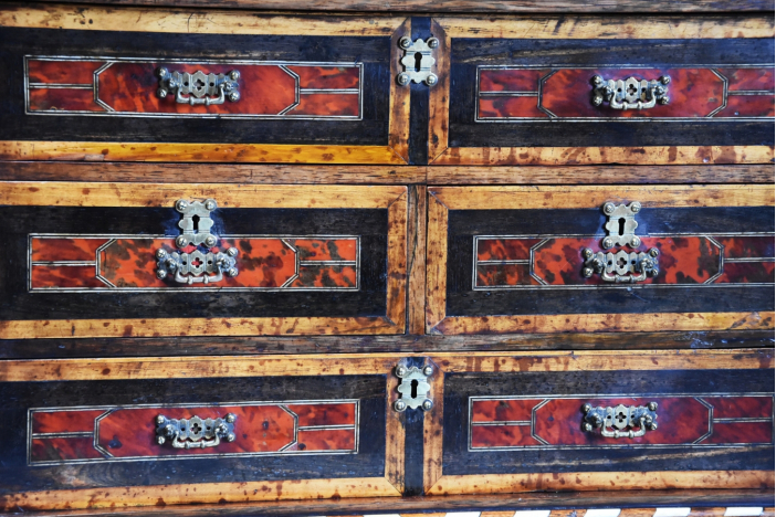 17thc Continental chest