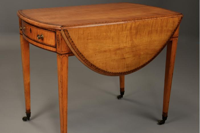 18thc sycamore Pembroke table