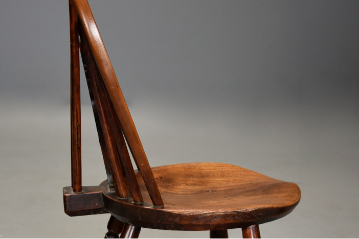 19thc yew Windsor chair