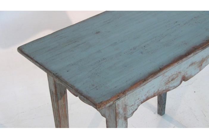 Freestanding consol table