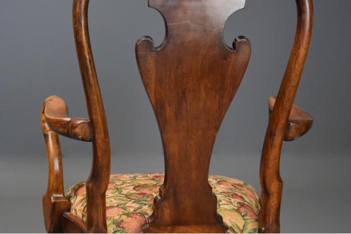 Queen Anne style walnut chair