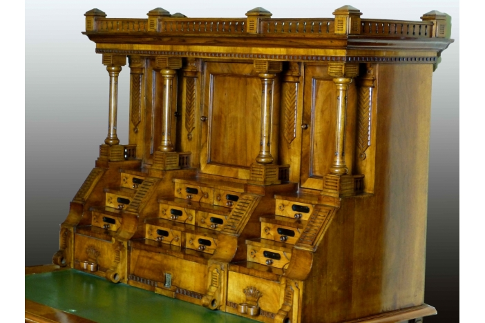 Palace Entrance Desk-Unique