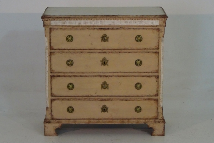 Gustavian chest richly carved