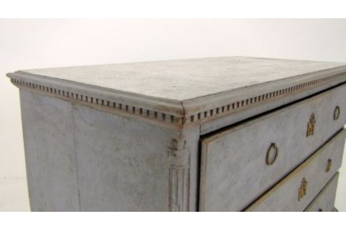 Gustavian chest ca. 1780.