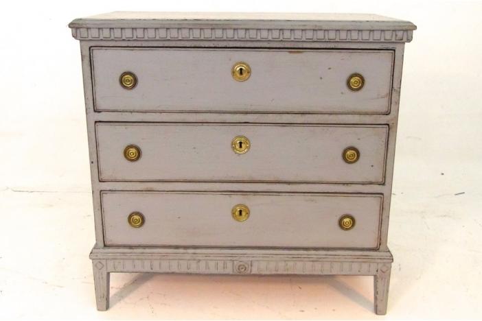 Gustavian chest