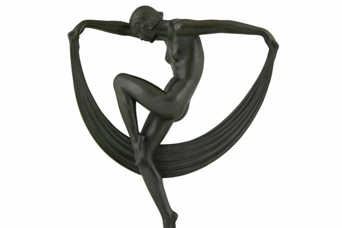 Denis Art Deco dancer