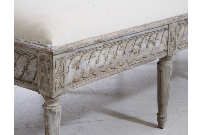Freestanding daybed, 1790.