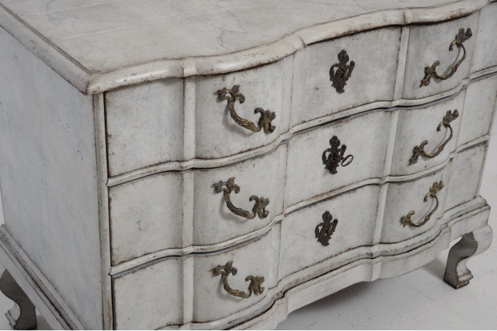 Scandinavian chest, 1750