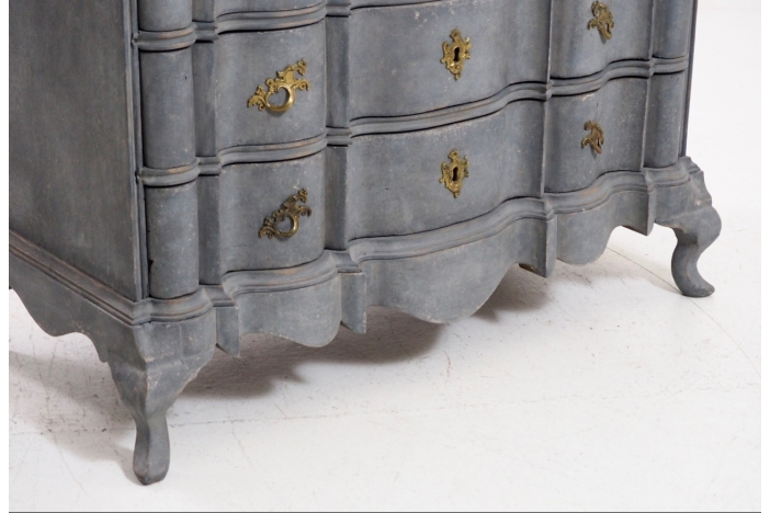 Baroque chest, circa 1740