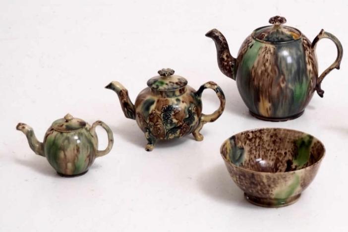 Teapots, bowl fajance, 18th C.