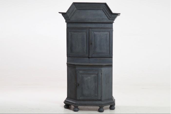 Baroque cabinet, 18th C.