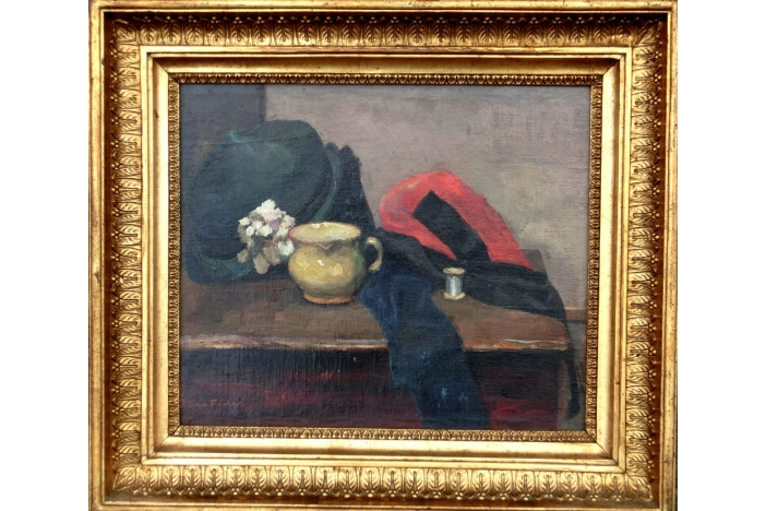 Still life with a hat.