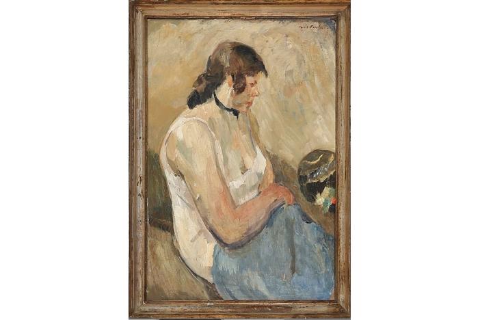 """A Sitting woman"""