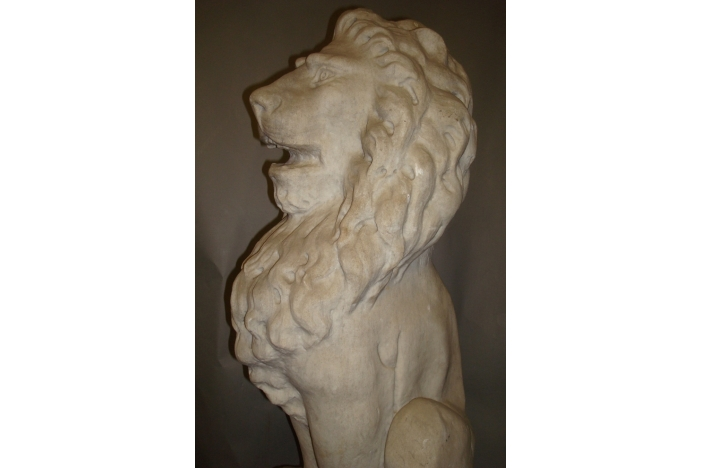 C19th Pair of Marble Lions