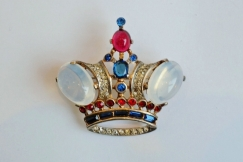 Trifari crown pin