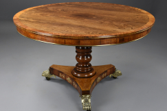 Fine Regency rosewood table