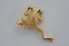 Napier frog brooch