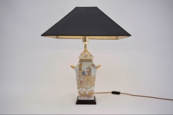 Chinoiserie porcelain lamp